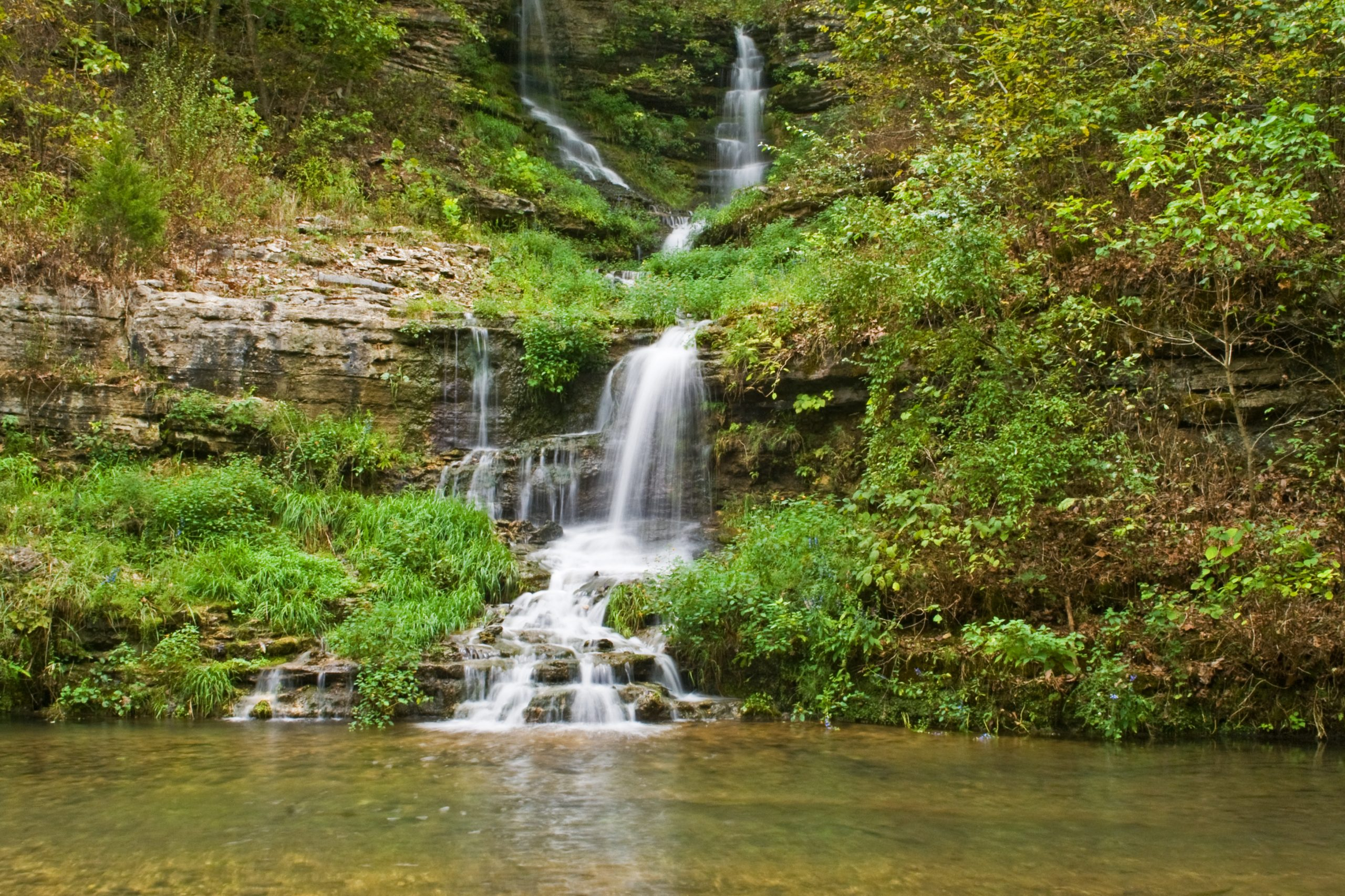 waterfall near branson missouri, one of the best weekend trips from dallas tx