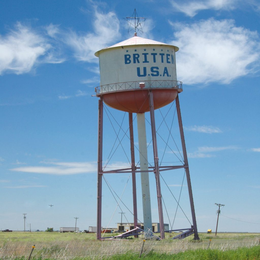 leaning water tower in groom texas route 66