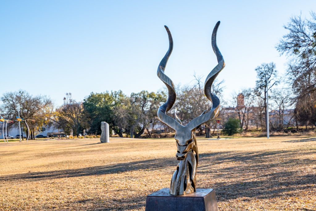iron statue of an elk head in hanna springs sculpture garden, one of the fun things to do in lampasas texas