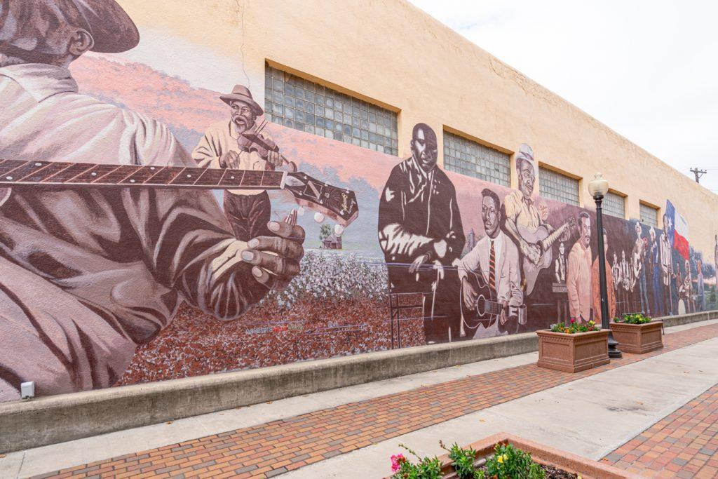 music mural in downtown navasota texas