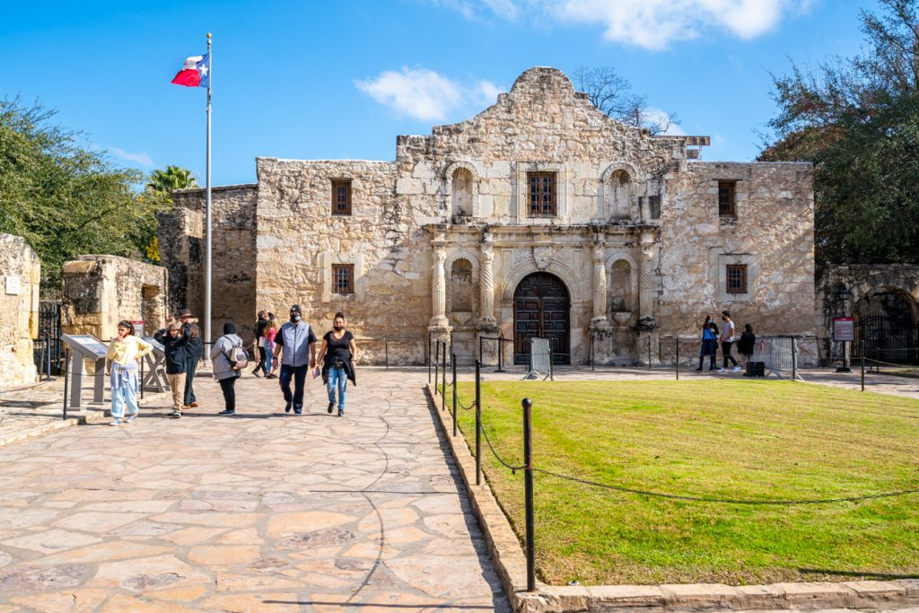 front facade of the alamo on a sunny day, tips for visiting the alamo tx