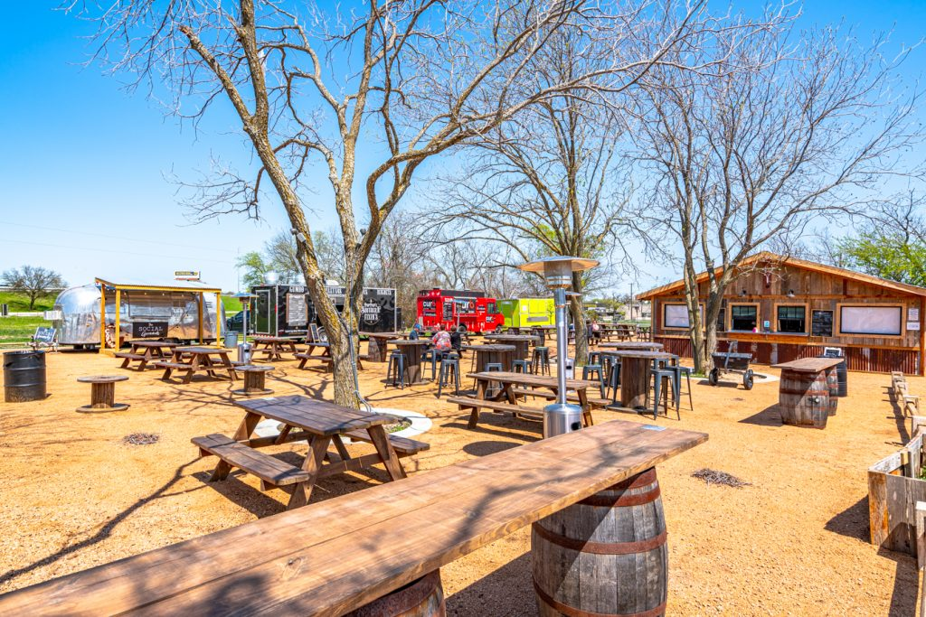 the granary food truck park in jarrell tx