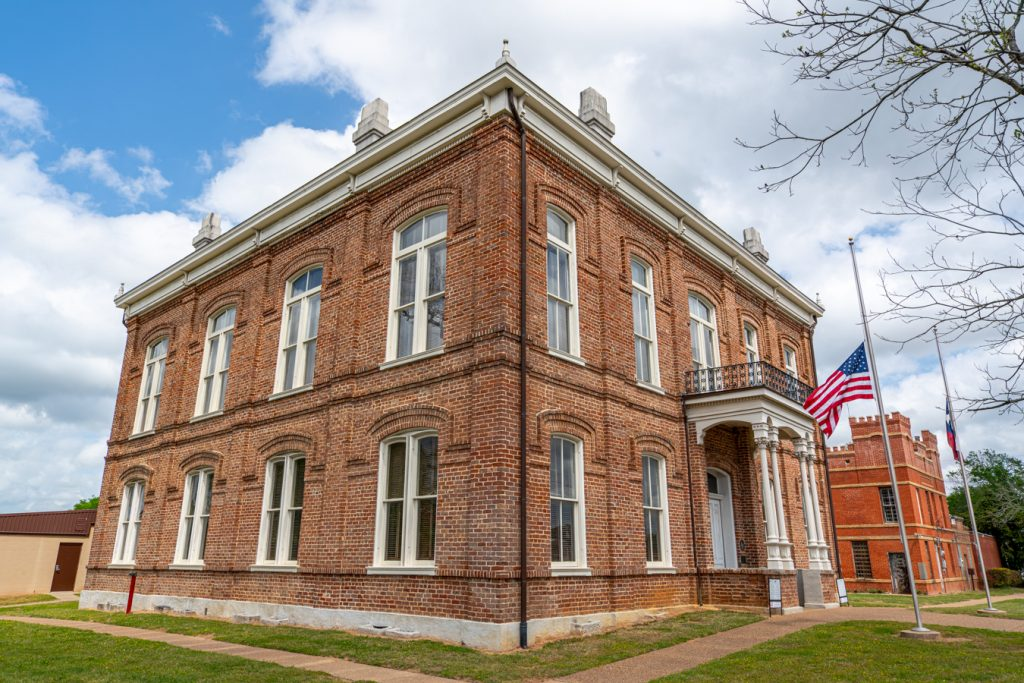 leon county courthouse, one of the best things to do in centerville texas, as seen from the corner