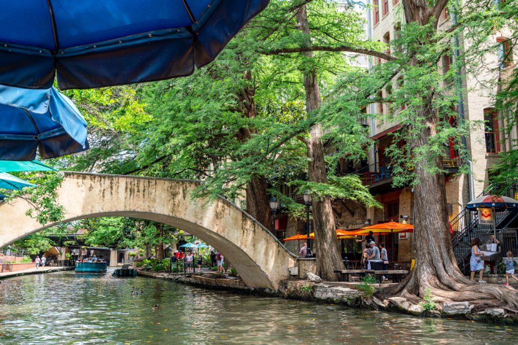 bridge along the riverwalk, the subject of many san antonio sayings
