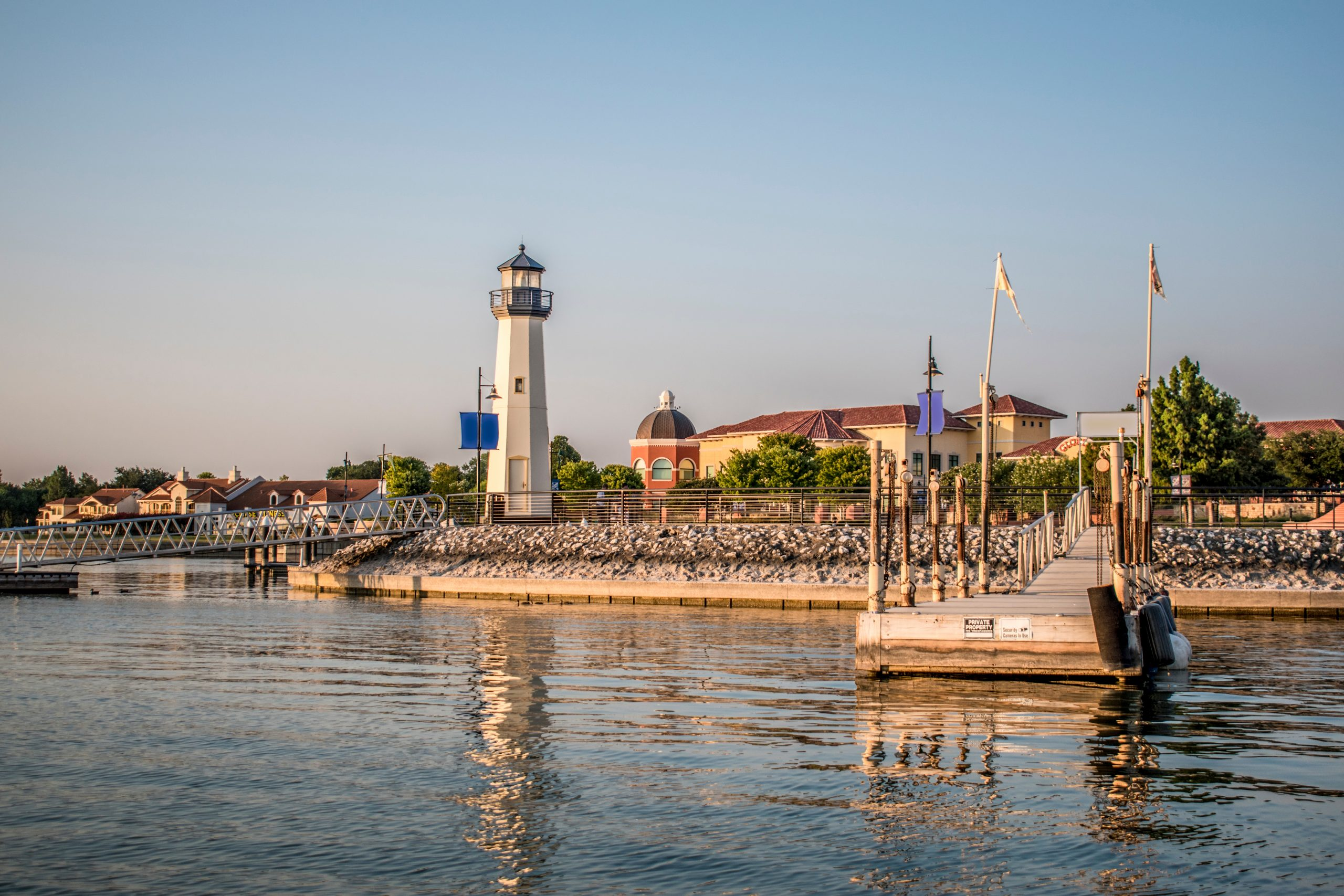 pier with lighthouse at ray hubbard lake, one of the best lakes in dallas texas